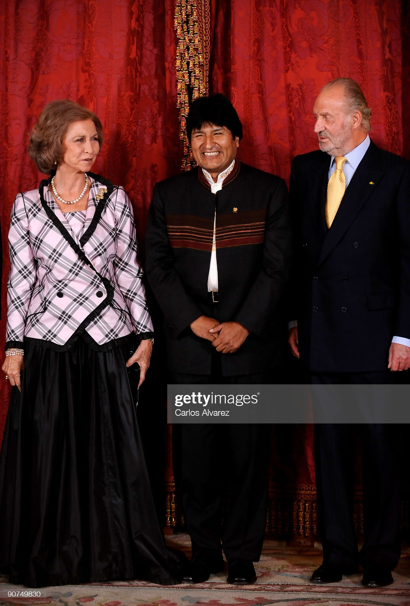 Spanish Royals Host Gala Dinner Honouring Bolivia's President Evo Morales : News Photo
