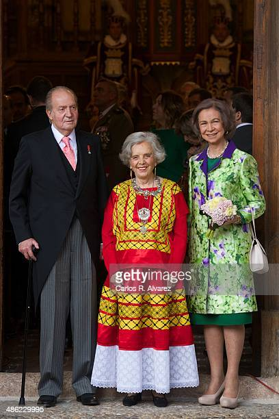 King Juan Carlos of Spain and Queen Sofia of Spain pose with the Cervantes Award 2013 winner Mexican author Elena Poniatowska before the Cervantes...