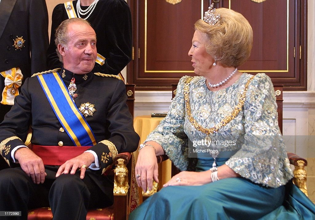 KING AND QUEEN OF SPAIN VISIT HOLLAND : News Photo