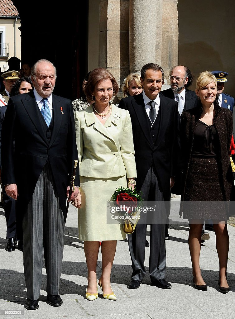 Spanish Royals Attend 'Miguel de Cervantes 2009' Award in Madrid