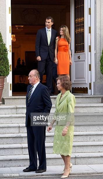 King Juan Carlos of Spain Queen Sofia of Spain Prince Felipe of Spain and Princess Letizia of Spain receive Syrian Arab Republic President Bashar...