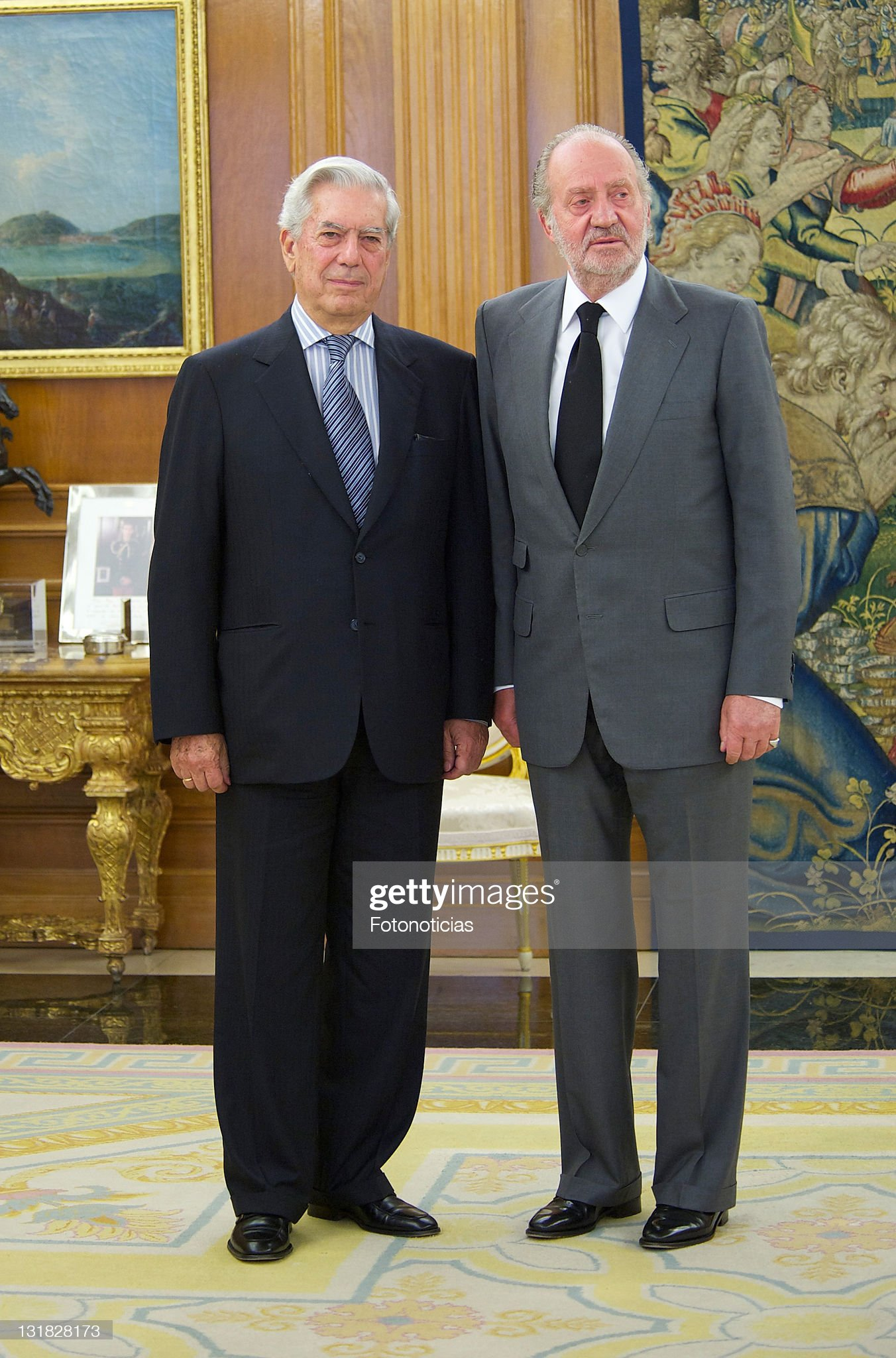 ¿Cuánto mide Mario Vargas Llosa? - Altura King-juan-carlos-of-spain-receives-writer-and-nobel-prize-winner-picture-id131828173?s=2048x2048