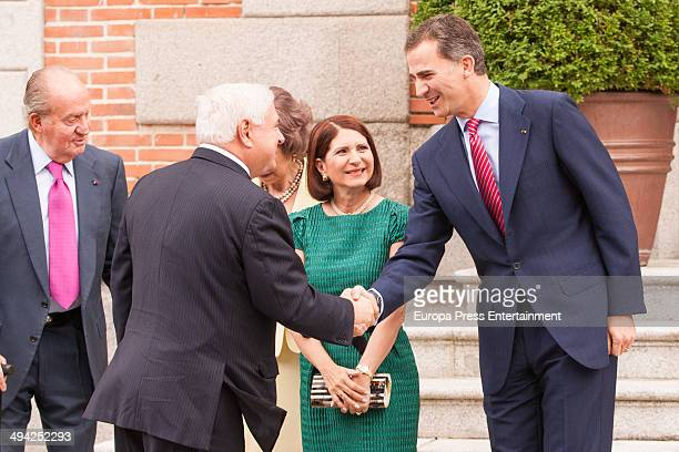 King Juan Carlos Queen Sofia and Prince Felipe of Spain meet president of Panama Ricardo Martinelli and wife Marta Linares at Zarzuela Palace on May...