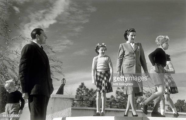 King Juan Carlos Teresa Silverio Alfonso de Borbon y Battenberg with his wife Maria and their four children