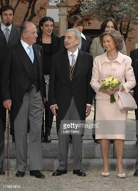 King Juan Carlos,poet and writer Juan Gelman and Queen Sofia pose for photographers after the Cervantes Prize ceremony, held at Alcala de Henares...