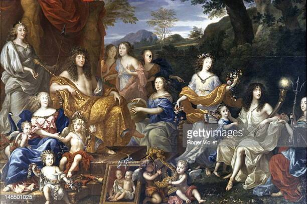King Louis XIV of France and the royal family in the personae of classical deities circa 1670 Living room of the OeildeBoeuf of the Grand Trianon of...