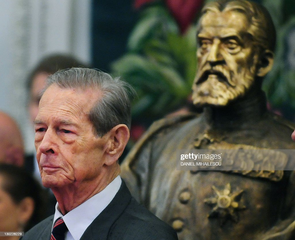 King Michael I of Romania is pictured ne : News Photo