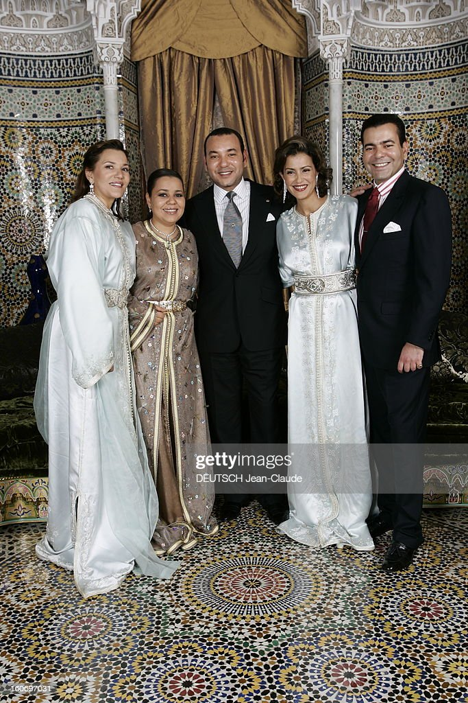 King Mohammed Vi Opens Its Doors u0027paris Matchu0027. Le roi MOHAMMED VI posant  sc 1 st  Getty Images & King Mohammed Vi Opens Its Doors u0027Paris Matchu0027 Pictures | Getty Images