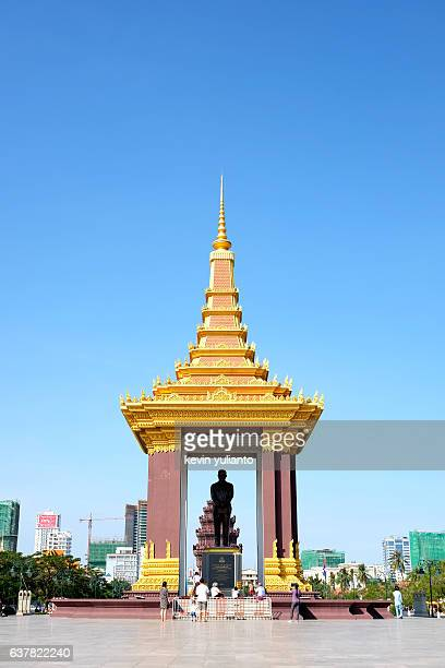 king norodom sihanouk memorial statue, phnom penh - norodom sihanouk stock pictures, royalty-free photos & images