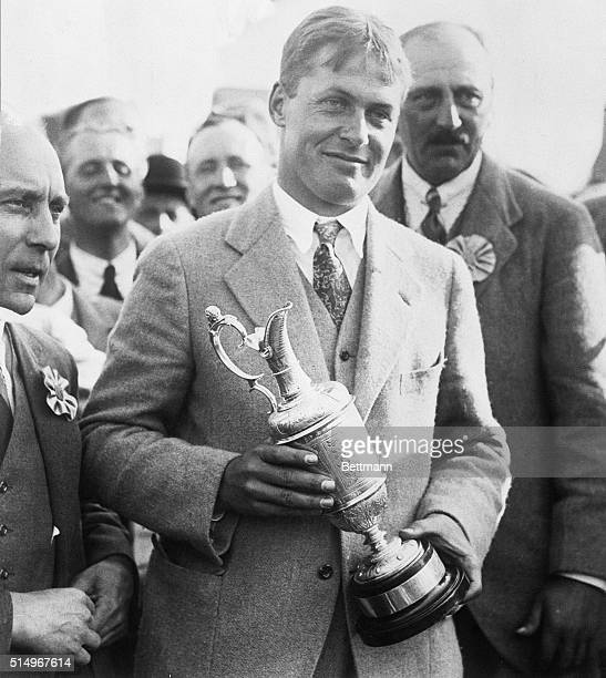 King of Cole Arrive sin America Bobby Jones the winner of the British Open Golf Championship arrived in New York July 2 and was met by a delegation...
