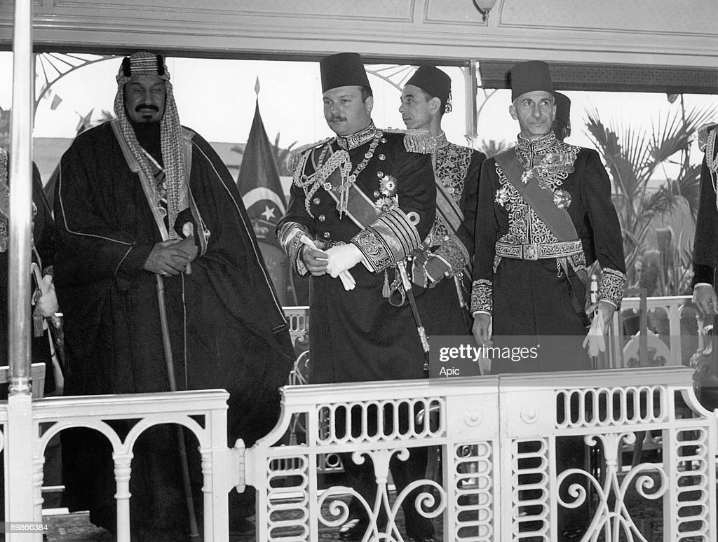 King of Egypt Farouk 1st welcoming king Ibn Saud of Arabia on january 11, 1946 in Egypt : News Photo