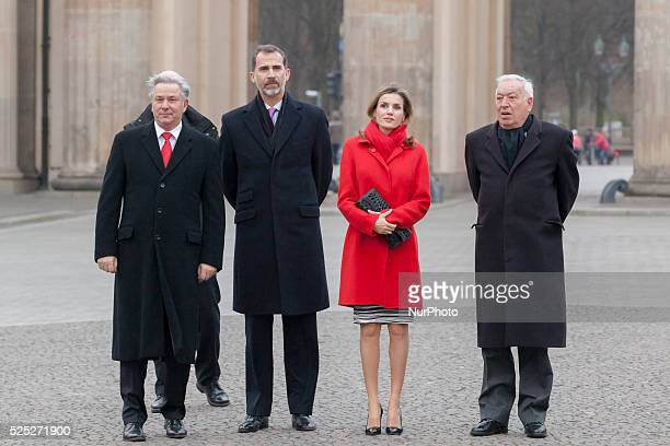 King Philip VI and Queen Letizia of Spain are welcomed during the visit to Berlin by the Mayor of Berlin Klaus Wowereit at Brandenburg Gate in Berlin...