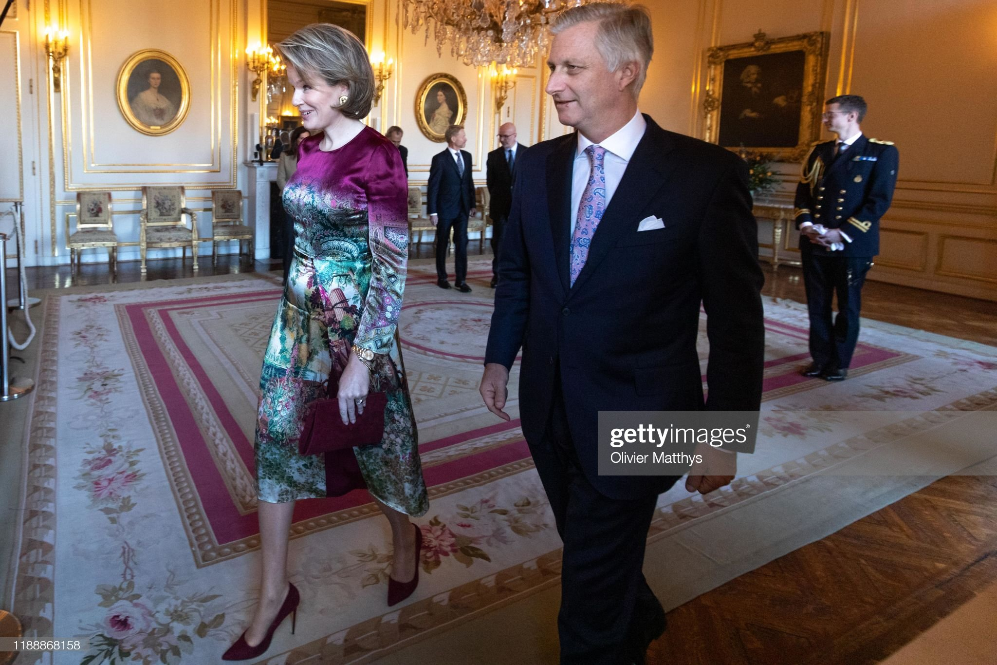 CASA REAL BELGA - Página 85 King-philippe-of-belgium-and-queen-mathilde-arrive-in-the-royal-to-picture-id1188868158?s=2048x2048
