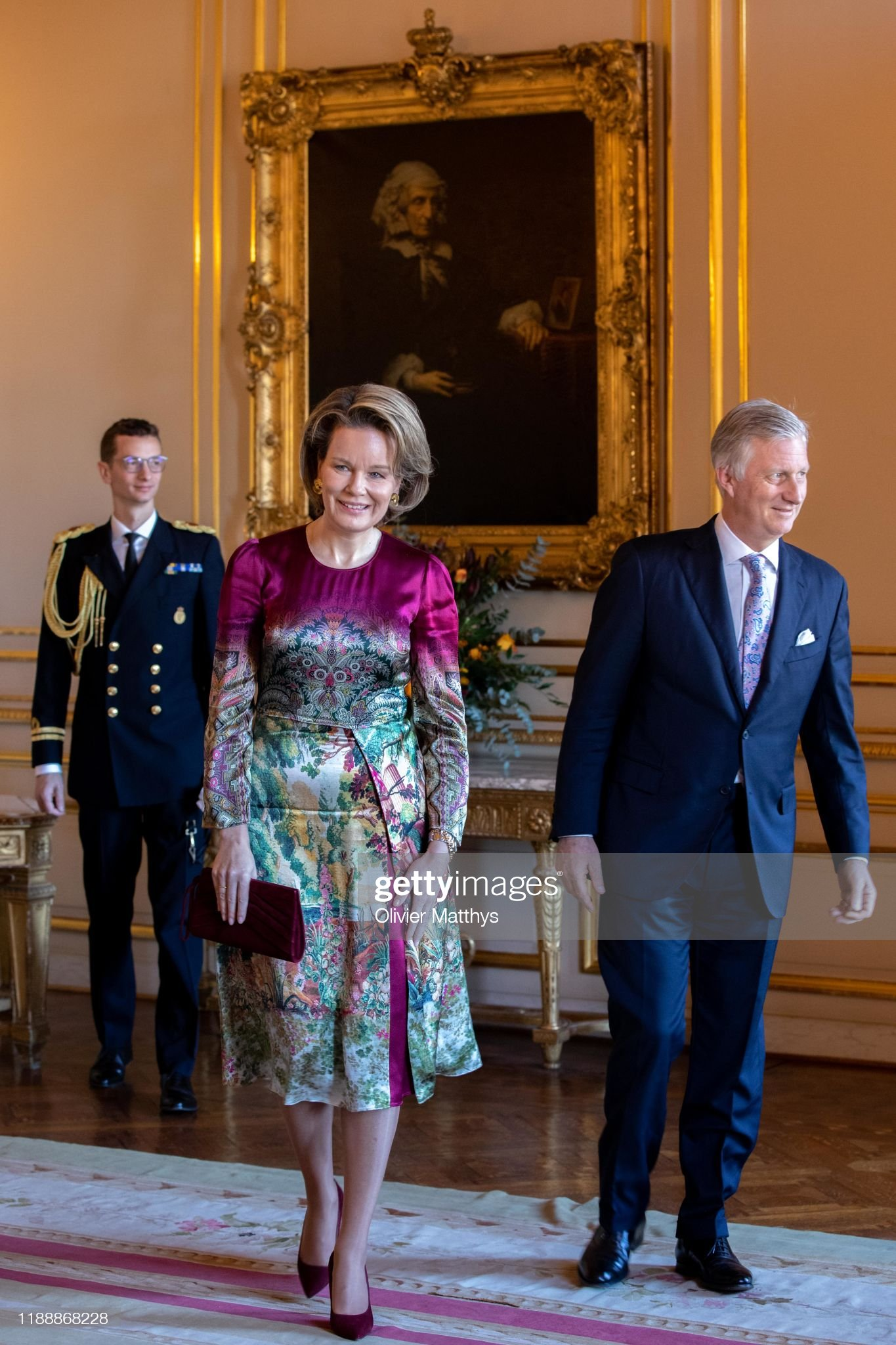 CASA REAL BELGA - Página 85 King-philippe-of-belgium-and-queen-mathilde-arrive-in-the-royal-to-picture-id1188868228?s=2048x2048