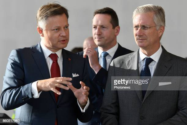 King Philippe pictured visiting the office of Brussels Airport King Philippe with Arnaud Feist
