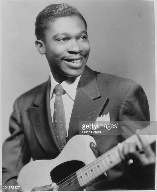 BB King poses for a studio portrait in 1950 in the United States He holds a Fender Esquire guitar