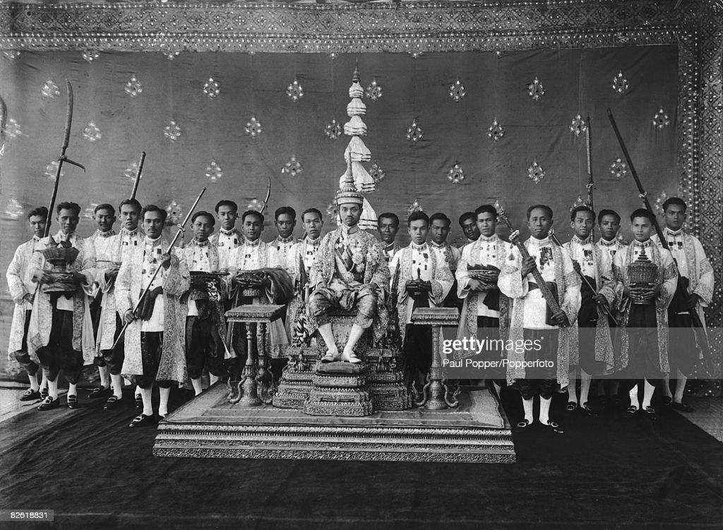 Prajadhipok Crowned : News Photo