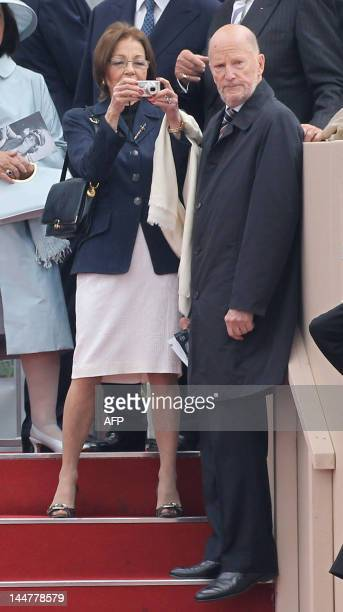 King Simeon II of Bulgaria and Queen Margarita of Bulgaria attend the Armed Forces Parade and Muster at Home Park on May 19 in Windsor England Over...