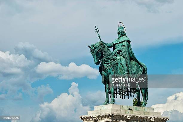 king stephan statue - religious saint stock pictures, royalty-free photos & images