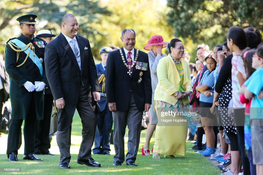 King Tupou VI, Governor-General Sir Jerry Mateparae and Queen Nanasipau'u meet school children during a State Welcome at Government House on February 25, 2013 in Wellington, New Zealand. The King of Tonga, His Majesty King Tupou VI, is in New Zealand making his first official state visit.