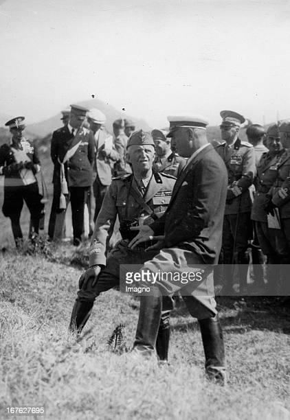 King Victor Emmanuel III. Near Florence, in conversation with Benito Mussolini. Photograph. About 1920. König Viktor Emmanuel III. Nahe Florenz im...
