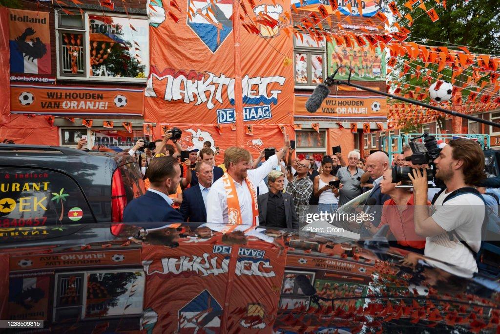 Dutch Football Fans React To EURO 2021 Match Netherlands-Austria : Nieuwsfoto's