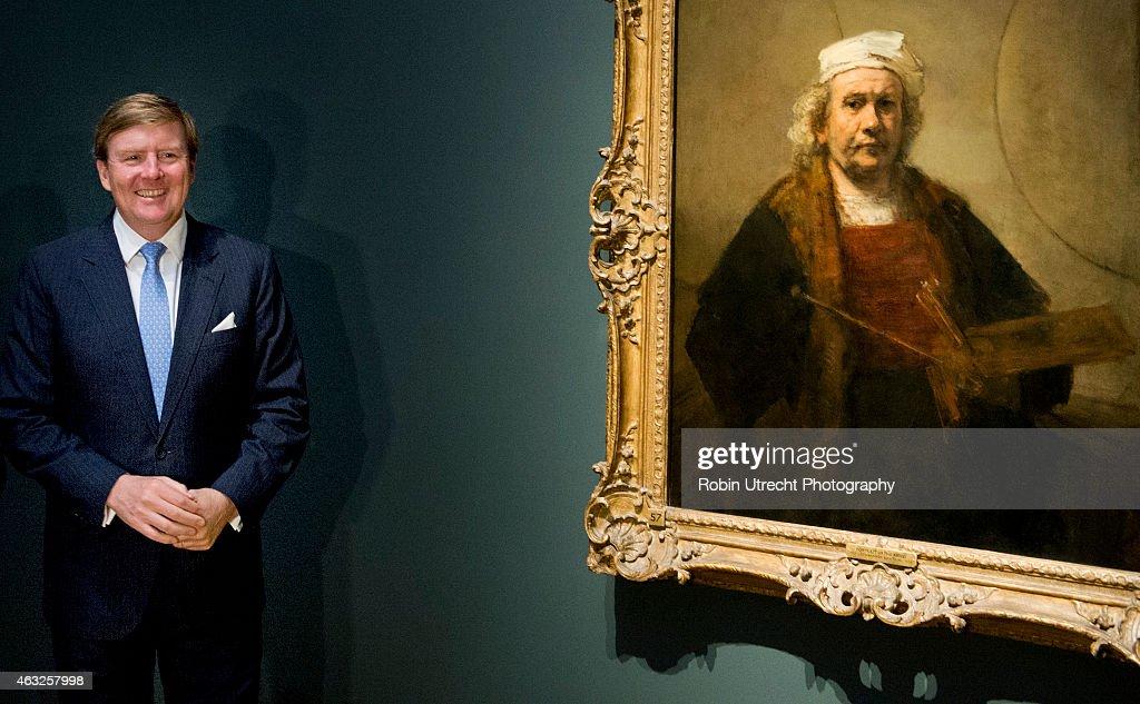 King Willem Alexander Of Holland Visits Rijksmuseum : News Photo