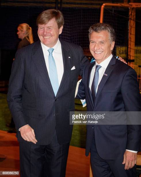King WillemAlexander and President Mauricio Macri of Argentina visit the Hockey Clinics in the Beurs van Berlage on March 27 2017 in Amsterdam The...