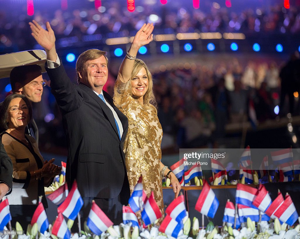 King Willem-Alexander and Queen Maxima Of The Netherlands Attend Liberation Day Concert : Nieuwsfoto's