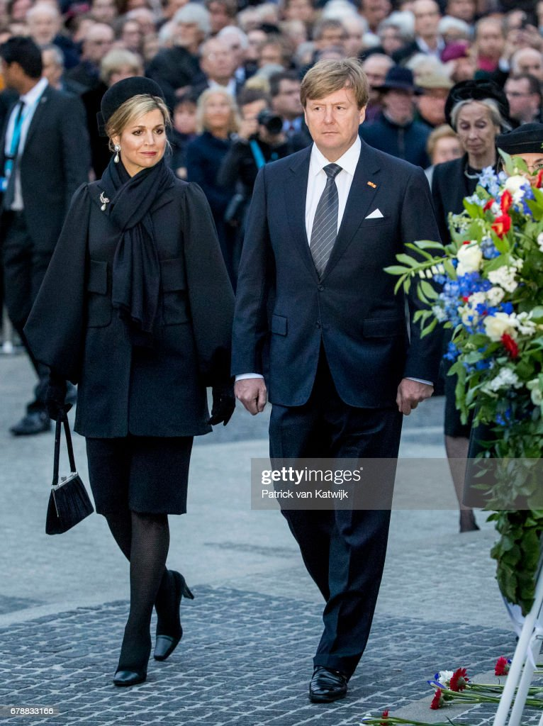King Willem-Alexander and Queen Maxima at the National remembrance ceremony in Amsterdam : News Photo