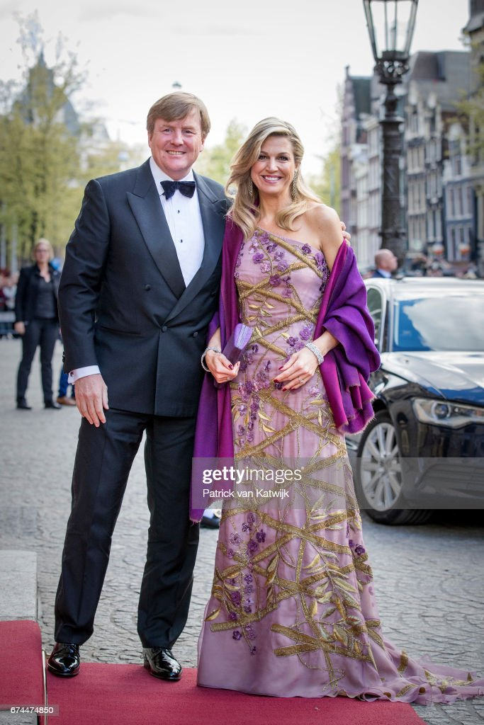Festive Dinner And Public Opening Of Royal Palace To  Mark King Willem-Alexander's 50th Birthday In Amsterdam : Foto jornalística