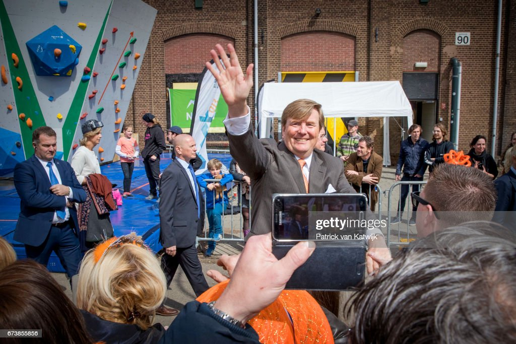 The Dutch Royal Family Attend King's Day In Tilburg : Nachrichtenfoto