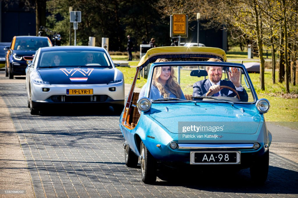 King Willem-Alexander Of The Netherlands And Queen Maxima Attend The Digital Kingsday Celebration In Eindhoven : ニュース写真