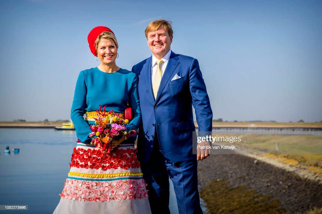 King Willem Alexander Of The Netherlands And Maxima Of The Netherlands Visit Zeeland : Nieuwsfoto's