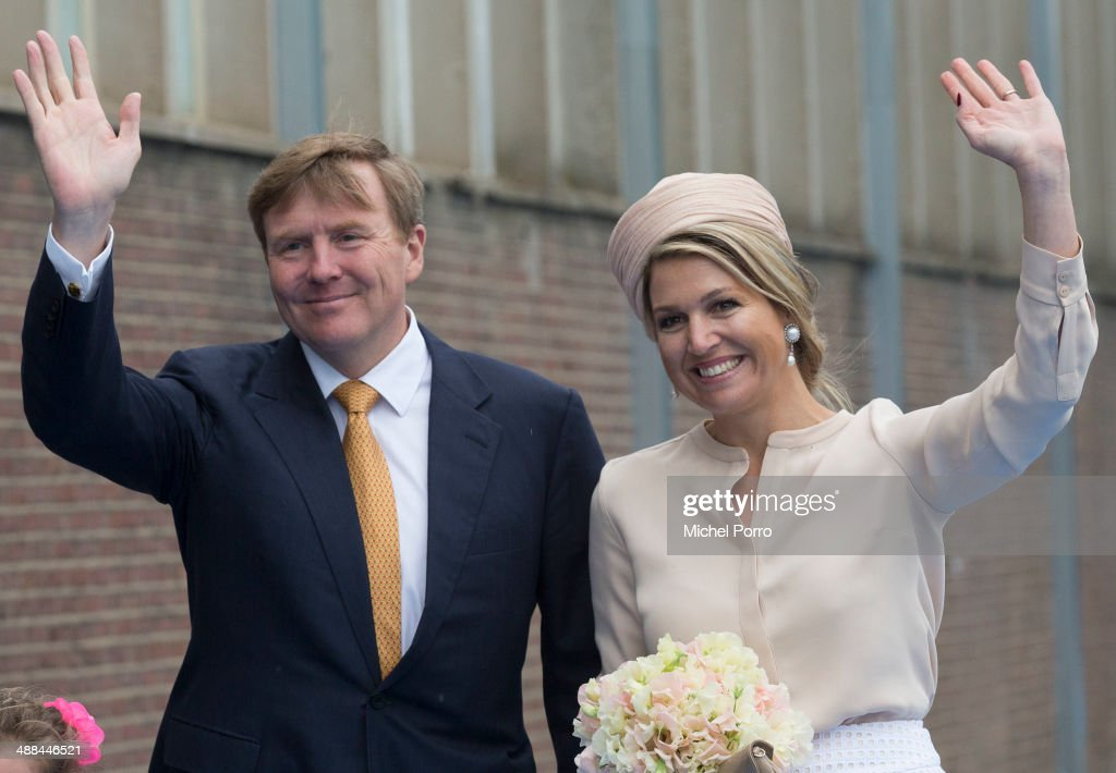 King Willem-Alexander And Queen Maxima Of The Netherlands On Achterhoek Provincial Tour : News Photo