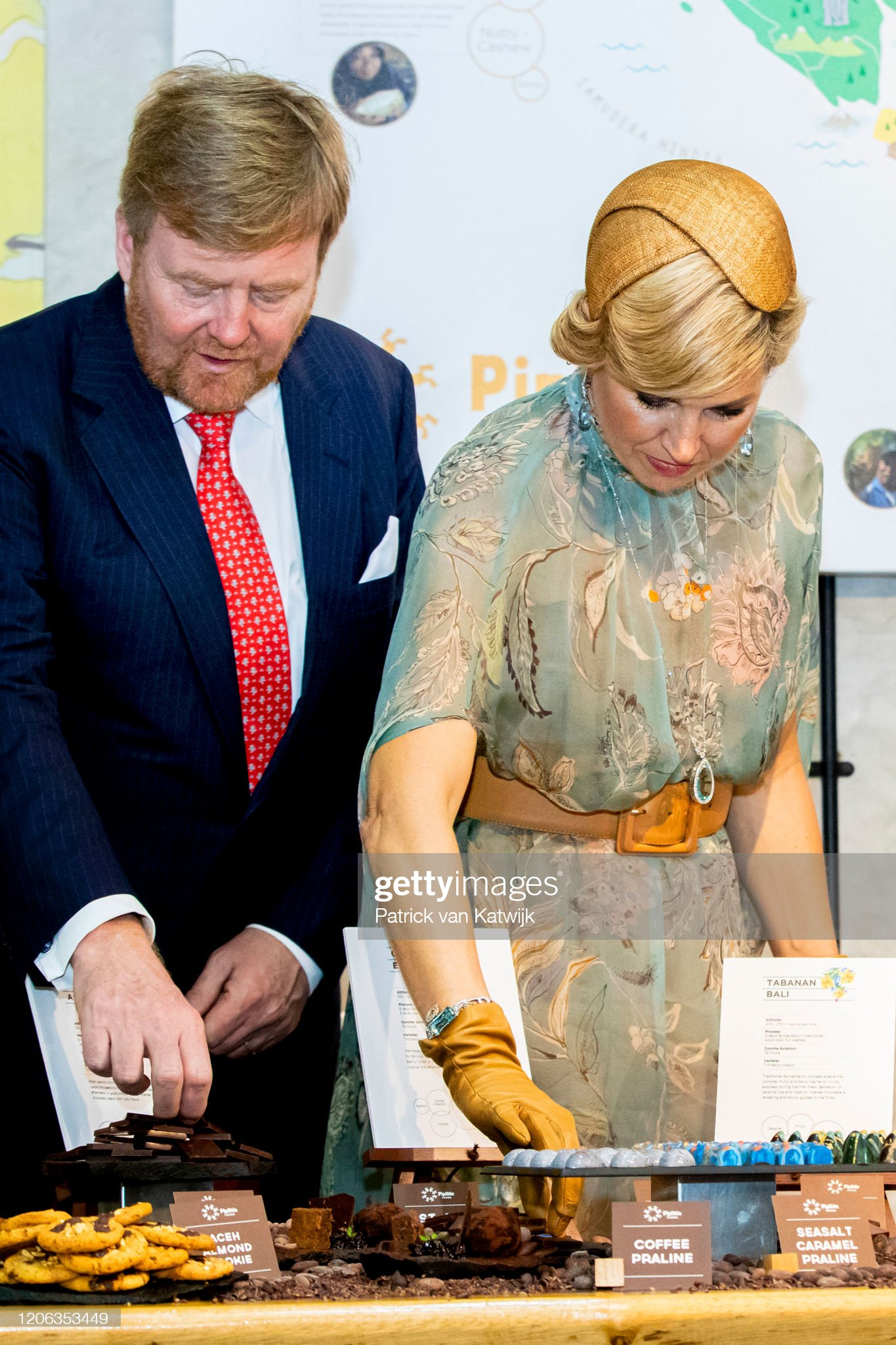https://media.gettyimages.com/photos/king-willemalexander-of-the-netherlands-and-queen-maxima-of-the-picture-id1206353449?s=2048x2048