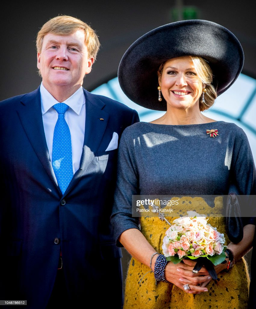 King Willem Alexander Of The Netherlands & Queen Maxima Visit Germany : Day One : News Photo