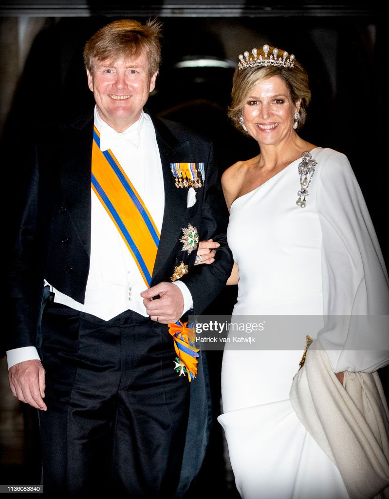 Dutch Royal family Attends A Gala Diner For Corps Diplomatique At Royal Palace In Amsterdam : Nieuwsfoto's