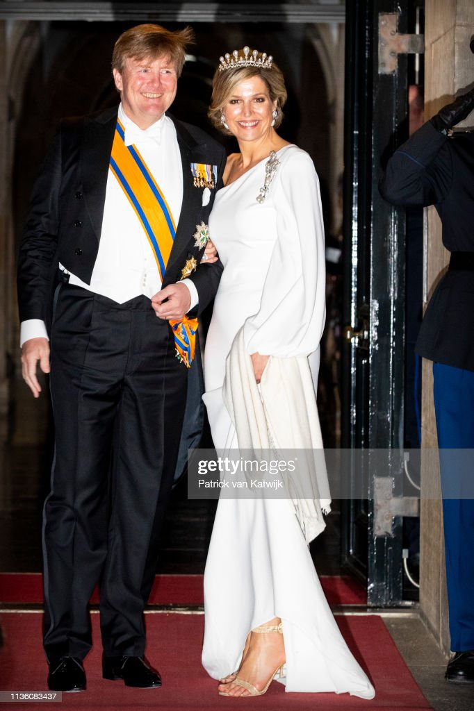 Dutch Royal Family Attends A Gala Diner For Corps Diplomatique At Royal Palace In Amsterdam : Fotografía de noticias