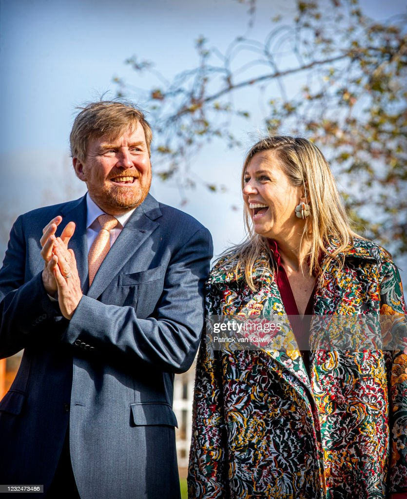 King Willem-Alexander Of The Netherlands And Queen Maxima attend Kingsday Games In Amersfoort : News Photo