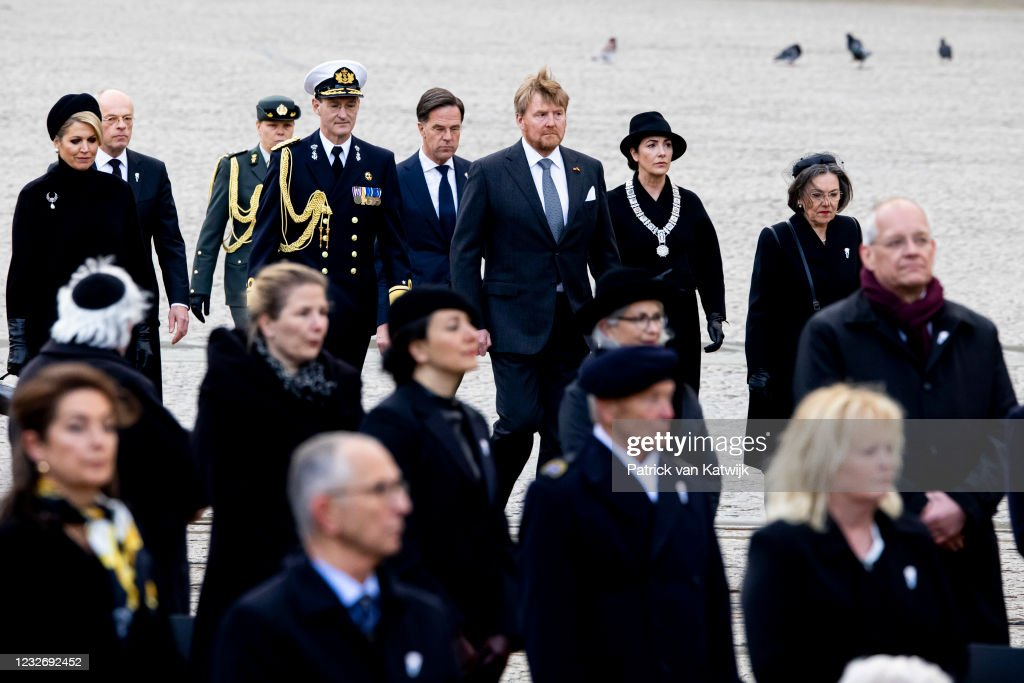 King Willem-Alexander Of The Netherlands And Queen Maxima Attend The Remembrance Day : News Photo