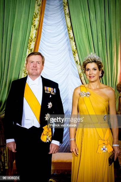 King WillemAlexander of The Netherlands and Queen Maxima of The Netherlands during the official picture at the state banquet in the Grand Ducal...