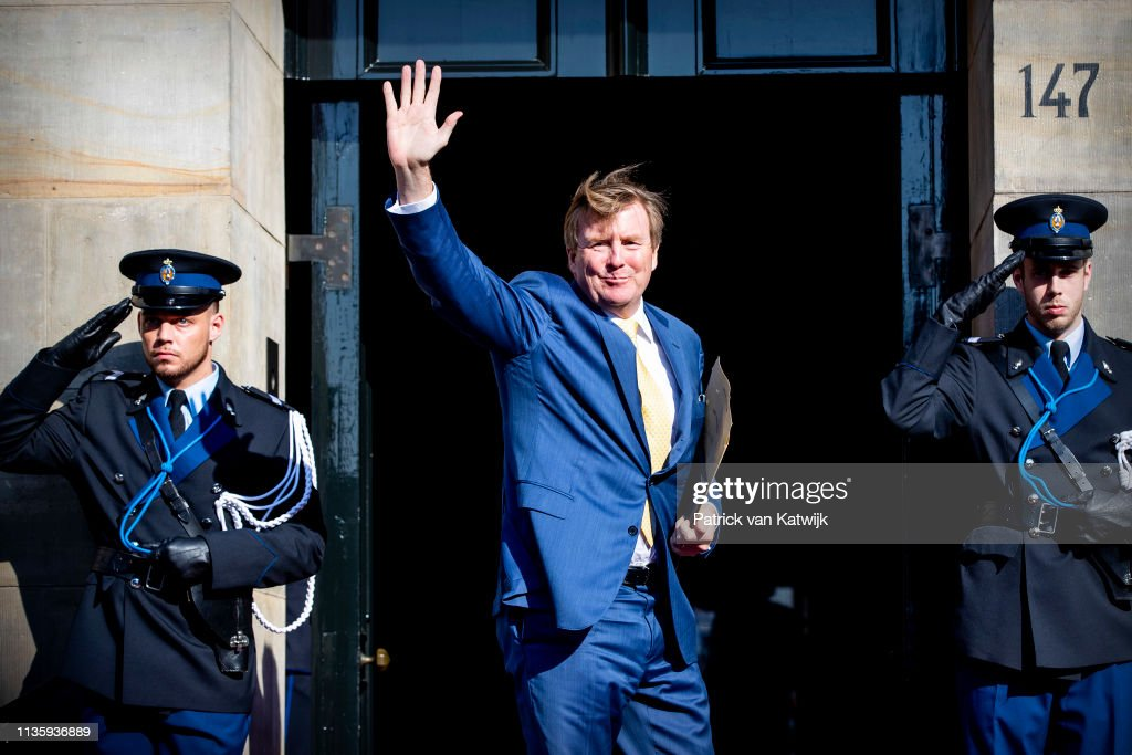 Dutch Royal family at gala diner for Corps Diplomatique Royal Palace Amsterdam 9 April : News Photo