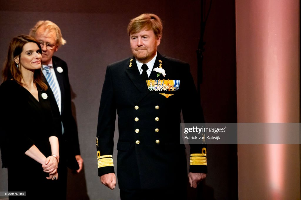 King Willem-Alexander Of The Netherlands Attends The Veteransday In The Hague : Nieuwsfoto's