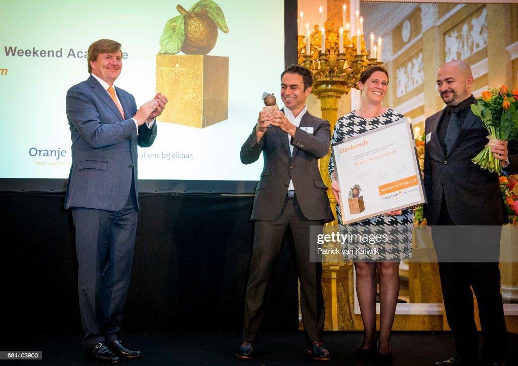 King Willem-Alexander Of The Netherlands & Queen Maxima Attend  Appeltjes Award Ceremony In The Hague : Nieuwsfoto's