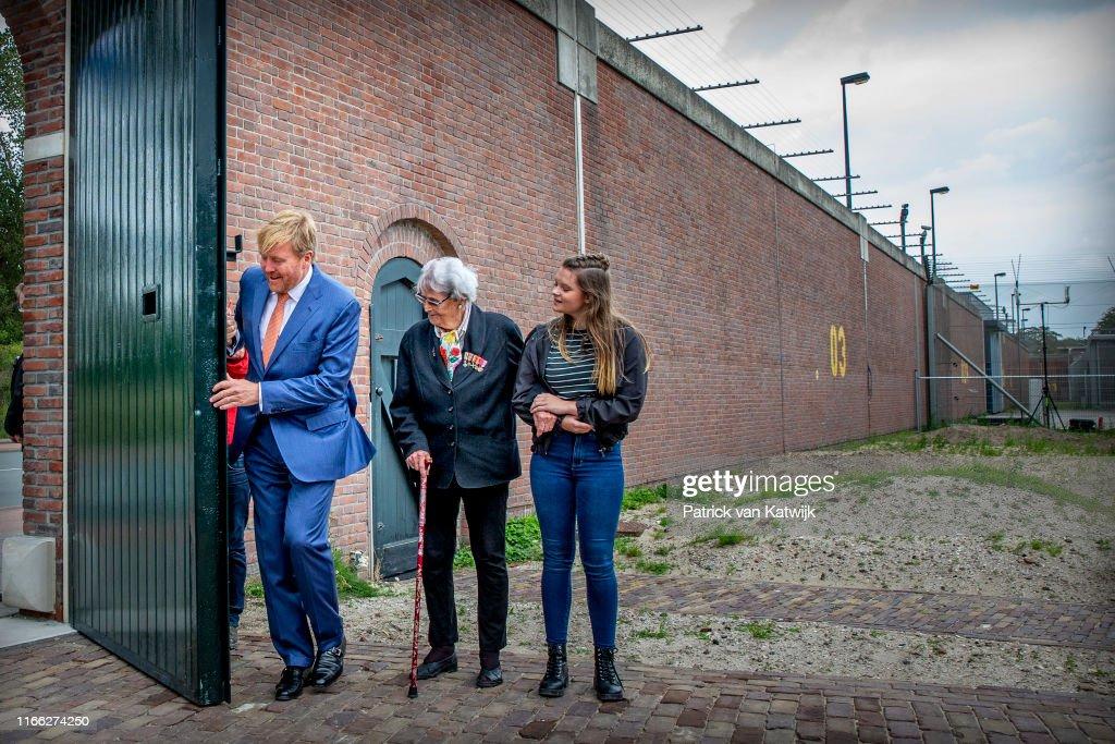 King Willem-Alexander opens oranjemonument : News Photo