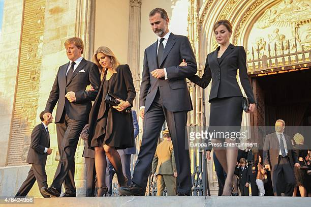 King WillemAlexander of the Netherlands Queen Maxima of the Netherlands Queen King Felipe of Spain and Queen Letizia of Spain attend the memorial...