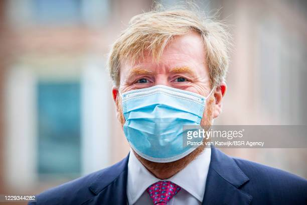 King Willem-Alexander of The Netherlands visits the COVID floor in the HMC Westeinde hospital on October 29, 2020 in The Hague, Netherlands.