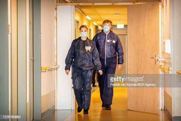 King Willem-Alexander of The Netherlands visits the COVID nursing ward of care organization Thebe and revalidation clinic De MarQ on November 25,...
