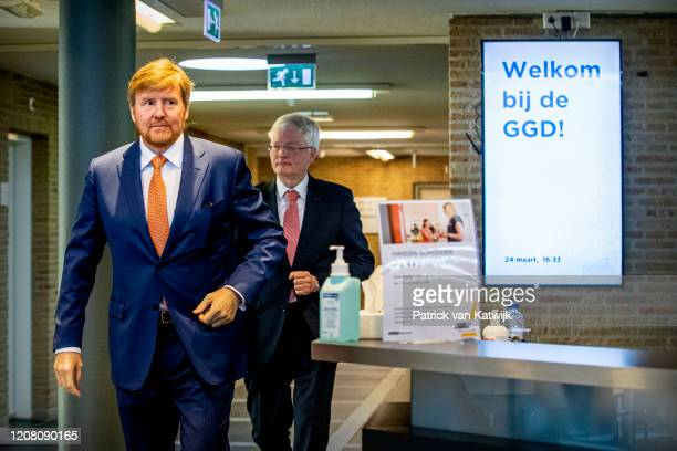 King WillemAlexander of The Netherlands visits the GGD center to get informed about the coronavirus Crisis on March 24 2020 in Tilburg Netherlands...